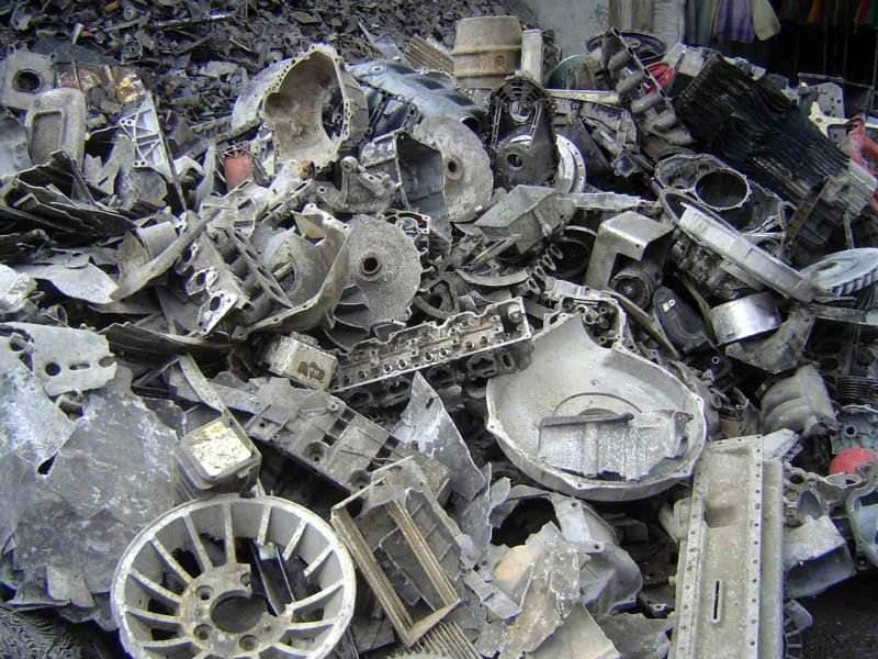 Принимаем различные изделия из моторного алюминия и его сплавов на металлолом
