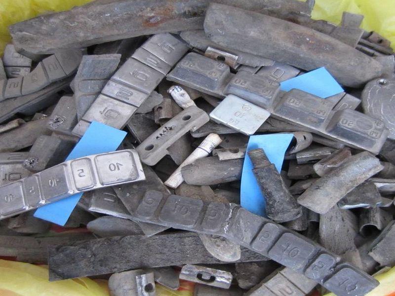 Принимаем шиномонтажные грузы на металлолом