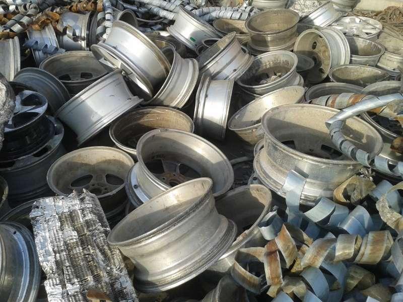 Принимаем автомобильные алюминиевые диски на металлолом