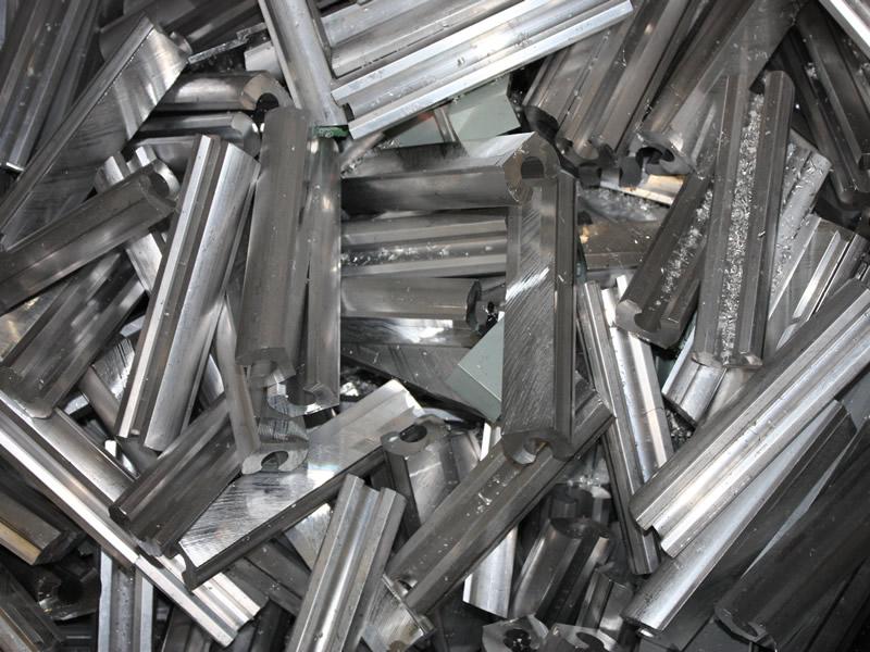 Принимаем различные изделия из алюминиевого профиля и его сплавов на металлолом